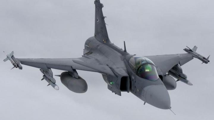 Avioane militare ungare au interceptat un avion austriac în vestul țării