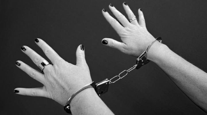 Românce prinse la furat în Marea Britanie, extrădate. Ce au aflat anchetatorii despre ele