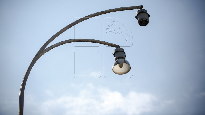 PANĂ MAJORĂ DE CURENT în Capitală. Troilebuzele s-au oprit la Botanica, semafoarele nu funcționează (FOTO)