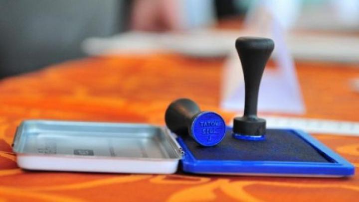 60 la sută dintre moldoveni INSISTĂ ca sistemul de vot să fie schimbat