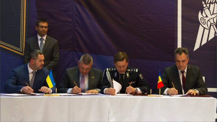 """Două puncte de trecere de la frontiera dintre Moldova și Ucraina vor funcționa în baza principiilor """"Ghișeului unic"""" și """"Opririi unice"""""""