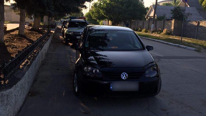 Teribilism în trafic! Un şofer a ameninţat cu arma un alt conducător auto (FOTO)