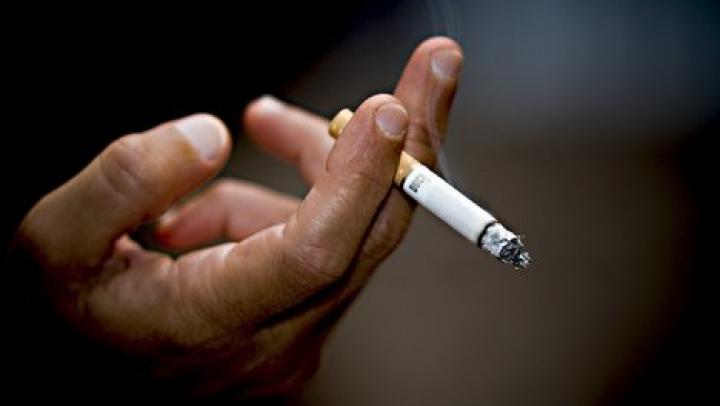 Plăcerea consumului de tutun în rândul tinerilor creşte. Câţi tineri din întreaga lume sunt fumători