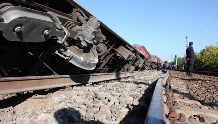 Un tren a deraiat într-o gară aglomerată din Moscova: Sunt RĂNIŢI