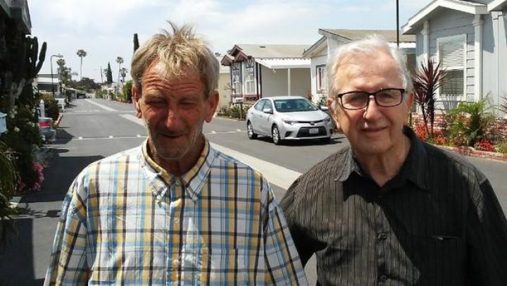 Șocant! Un bărbat din California a primit un telefon de la fiul său, la 11 zile de la înmormântarea acestuia