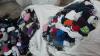 Un agent economic a încercat să aducă ilegal în Moldova peste 300 de kilograme de ciorapi second hand