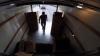 Farsă de milioane pentru nişte hoţi. Ce au păţit după ce au vrut să fure dintr-o camionetă (VIDEO)
