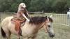 COWBOY: Un câine din SUA, a devenit cunoscut după ce a învăţat să călărească pe un cal (VIDEO)