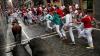 În Spania încep tradiţionalele curse cu tauri de pe străduţele înguste