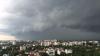 Ploile puternice şi vijelia pun stăpânire pe Moldova. Meteorologii au emis Cod Galben de averse în toată ţara