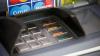 Caz NEMAIÎNTÂLNIT! Un bărbat a rămas blocat într-un bancomat. Cum a reușit să iasă (VIDEO)