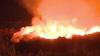 NO COMMENT: Flăcări uriaşe şi mult fum! Incendiu la unul dintre depozitele de crengi de lângă Chişinău (VIDEO)