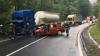 Accident grav la Bacău. Trei persoane au suferit leziuni grave