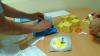 """Crema """"miraculoasă"""" care îi goleşte pe moldoveni de bani şi le pune viaţa în pericol! Clienţii, supuşi unei adevărate terapii de şoc (VIDEO)"""