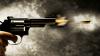 Tânărul care a tras dintr-un pistol pe terasa unui club din Capitală, ÎNCĂTUŞAT pe Aeroportul din Chişinău