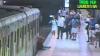 Incident la un metrou din Roma. O femeie a fost târâtă pe peron, după ce geanta ei a rămas prinsă între ușile trenului