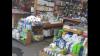 Produse de igienă, cosmetică şi parfumerie  contrafăcute, depistate la o tarabă din Piața Centrală (VIDEO)