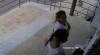 ATENȚIE! Dacă le-ai recunoscut, ANUNŢĂ POLIŢIA IMEDIAT. Au furat un cărucior pentru copii (VIDEO)