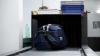 Te-ai întrebat vreodată ce se întâmplă cu bagajul tău după check-in? Un pasager a surprins momentul (VIDEO)