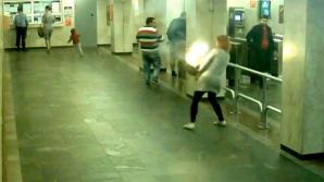 O femeie a trăit ŞOCUL VIEŢII! Ce s-a întâmplat când îşi punea ţigara electronică în geantă (VIDEO)