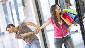 """Soluția perfectă pentru bărbații """"alergici la shopping""""! Un centru comercial din Shanghai salvează relațiile armonioase"""