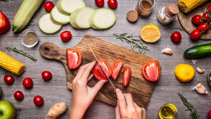 Ții o dietă vegană sau vegetariană? Inima ta e în pericol