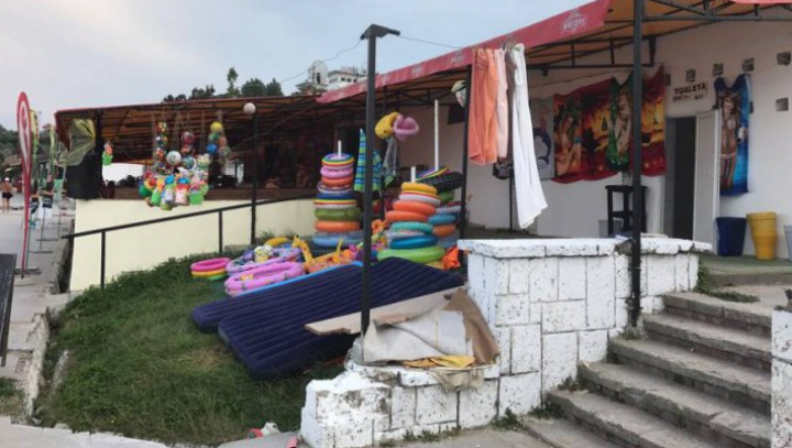 Pleci în vacanţă pe litoralul românesc? DESCOPERIRE ŞOCANTĂ la o terasă din Eforie Sud