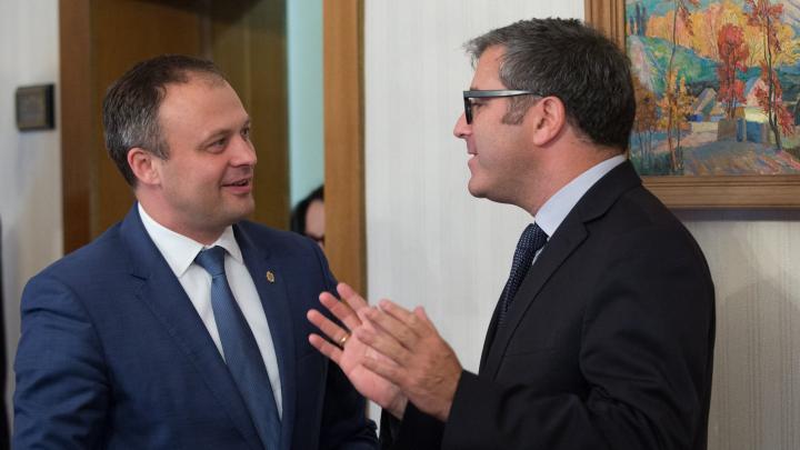 Andrian Candu s-a întâlnit cu șeful misiunii FMI, Ben Kelmanson (FOTO)