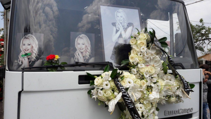 Denisa Manelista, înmormântată astăzi în satul natal  (IMAGINI ÎN DIRECT)