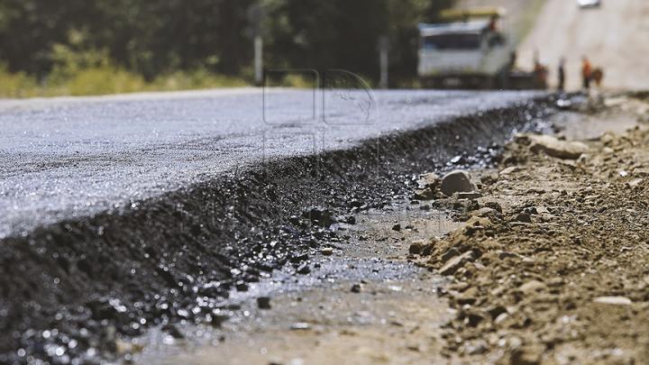 InfoTrafic: Lucrările de reparație de pe strada Dumitru Rîșcanu au fost finalizate. Segmentul de drum a fost redeschis pentru circulație
