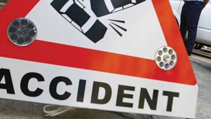 Grav accident în Capitală cu implicarea unui microbuz cu pasageri (FOTO)