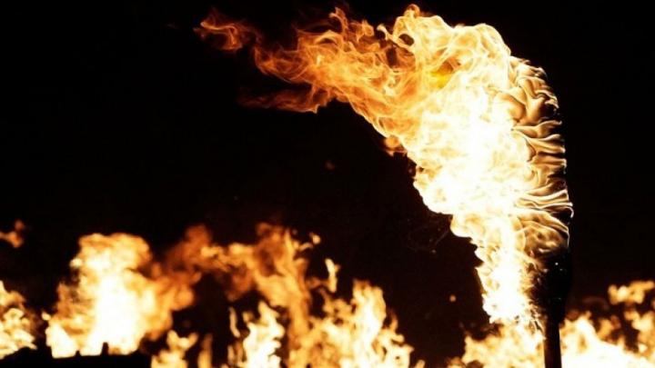 I-au dat foc pentru a se distra! O femeie din Moscova se zbate ÎNTRE VIAŢĂ ŞI MOARTE pe patul de spital