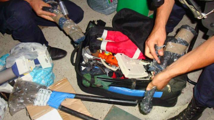 Un moldovean este cercetat penal după ce a încercat să aducă în ţară piese auto, interzise prin lege pentru import