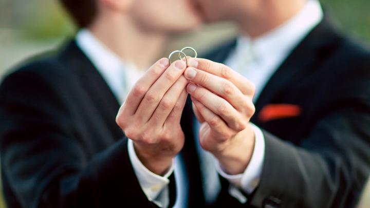 """Nuntă între GAY în Germania. Nouă cupluri şi-au spus """"Da"""" în mod oficial"""