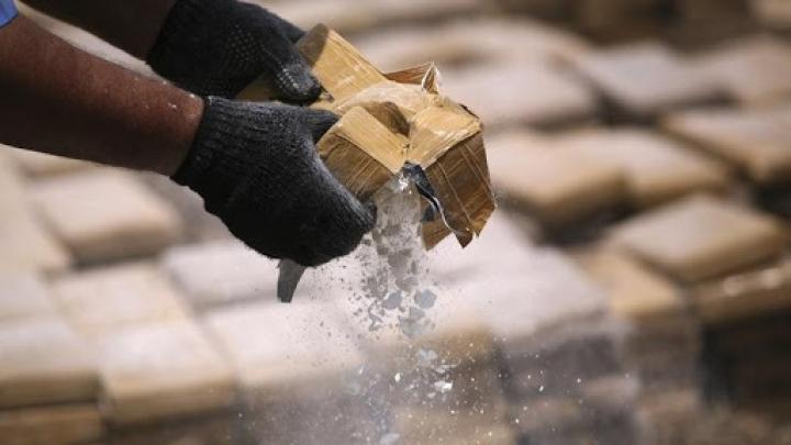 3.8 tone de cocaină reținute în portul Haburg din Germania