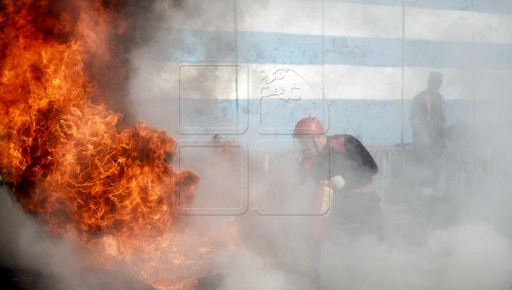 ALERTĂ în sectorul Ciocana. Un depozit a fost curpins de flăcări (VIDEO)