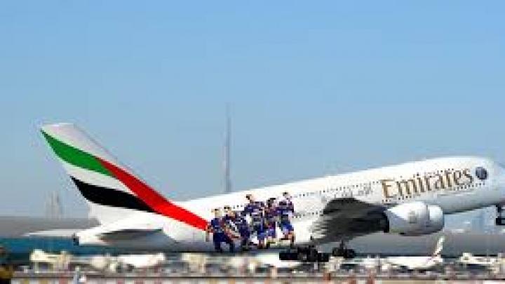 Pasagerii Emirates şi Turkish Airlines pot lua din nou laptopuri în cabină