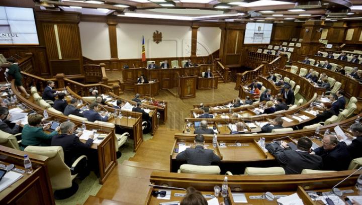 Istoricul privind schimbarea votului mixt. În Parlament au avut loc mai multe dezbateri