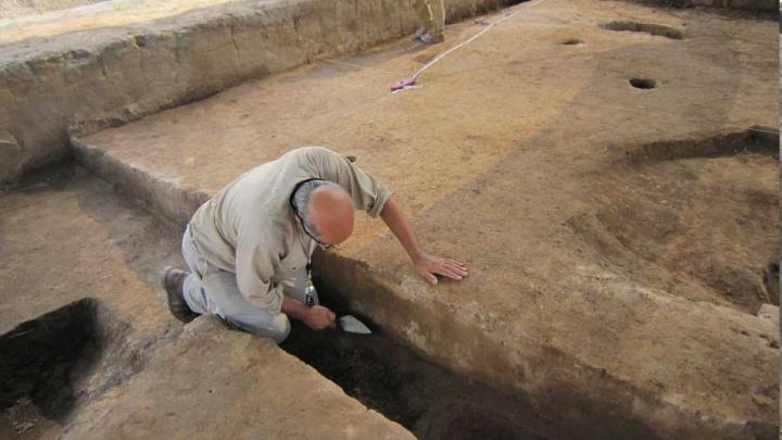 """China: Arheologii au descoperit scheletele unor """"giganți"""""""