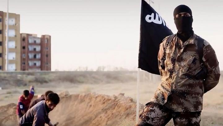 Un general american este acuzat că ar fi oferit sprijin material și informații secrete jihadiștilor ISIS