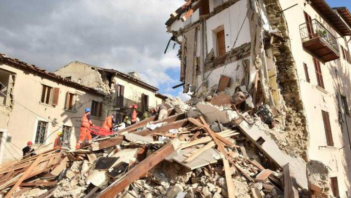 Indonezia: Cutremur de 5,5 grade. Zeci de case, distruse