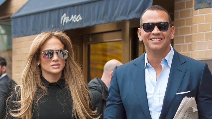 Jennifer Lopez a angajat un detectiv particular pentru a-l urmări pe iubitul său