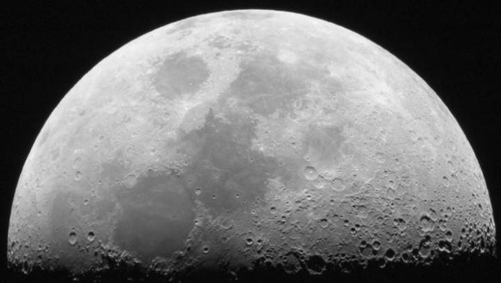 Descoperire fascinantă făcută de cercetători japonezi. Ce au găsit sub solul Lunii
