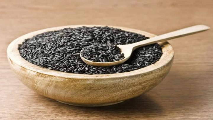 Cercetătorii chinezi au creat o varietate de orez negru pentru a combate cancerul și alte boli