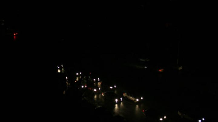 Pană totală de curent electric în Costa Rica. Președintele Luis Guillermo Solis a îndemnat populația la calm