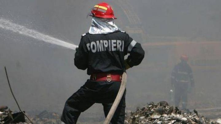 Copil de 5 ani, mort în urma unui incendniu pe care l-a provocat singur