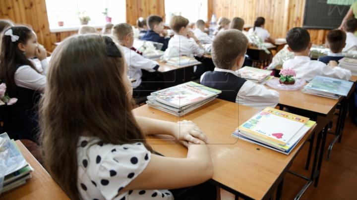 Violență la un liceu din România: Un elev, lăsat fără ureche după ce a fost agresat de profesorul său