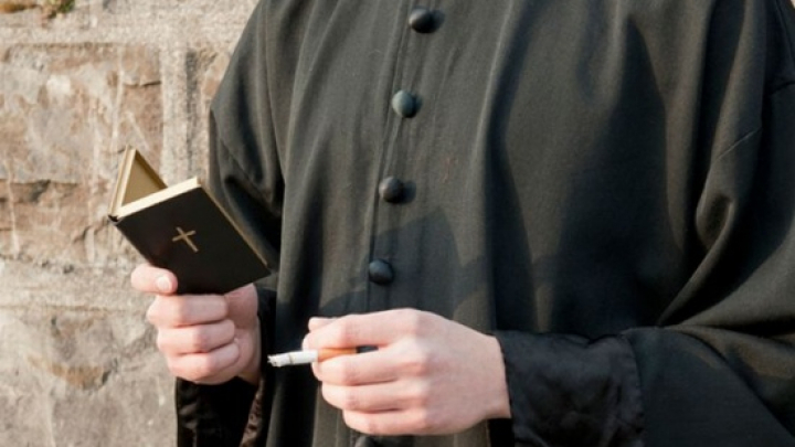 Un preot și o călugăriță, acuzați pentru evaziune fiscală