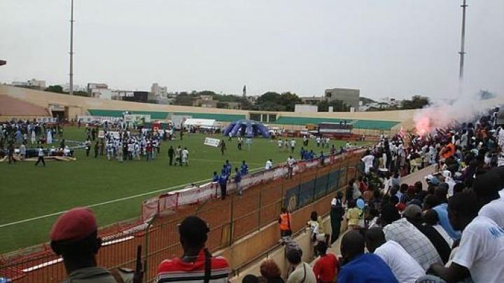 Nouă persoane şi-au pierdut viaţa după ce un zid s-a prăbuşit în timpul unui meci în Dakar