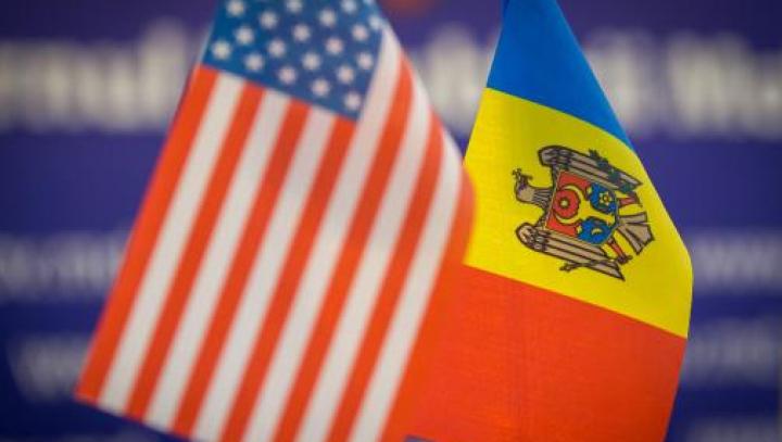 Premierul Filip a felicitat poporul american cu prilejul Zilei Independenţei